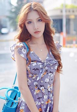 美女模特陆懿嘉甜美迷