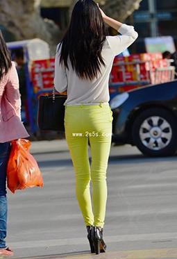 街拍紧身铅笔裤美女极